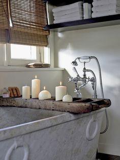 beautiful and srene bathtub, spa-like