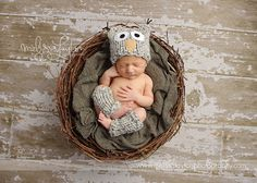 Owl baby photo props, a chunky owl hat and leg warmers
