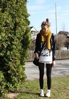 leggings, white converse, ovrsize sweater, jacket.