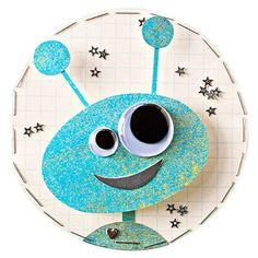 birthday cards for friends, paper stars, kids cards, alien birthday ideas, googly eyes, scrapbooking ideas for kids, kids alien crafts, kid cards, cute alien