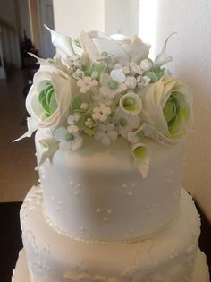 Pretty! Learn how to make these sugar flowers.