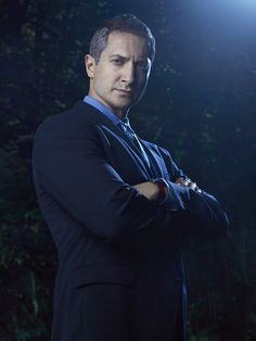 Sasha Roiz as Captain Sean Renard. Captain of the Portland PD. Is eventually revealed that not only is he a Wesen of unknown origin or classification but he is Wesen royalty. Beyond that, we don't know much more about him.