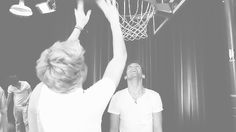 oh noooo GIF* basketball, niall, direct gif, names, direct infect, one direction, loui gif, louiss face, boy