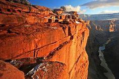 Rewelacyjne zdjęcia ze zjawiskowymi kanionami z Ameryki przygotowane do ustawienia jako tapety komputera. Kliknij w pina i pobierz je za darmo! / canyons of America #canyons #kaniony #landcapes #view #widoki #krajobrazy