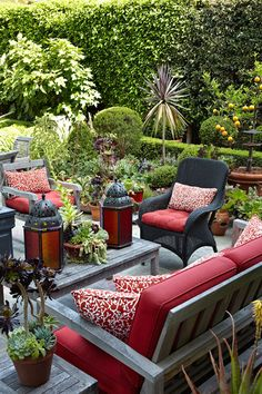 The outdoor room.