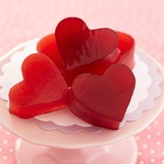 Make these raspberry gummy hearts, so easy!