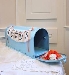 Mailbox as wedding card holder