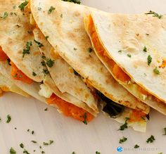This is not your average quesadilla! It is stuffed with pepper jack cheese and spiced pumpkin puree with all the trimmings! All for only 269 calories per serving. #dinner #lunch #pumpkin #recipes #vegetarian