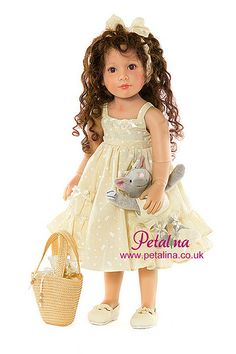 Kidz 'n' Cats Laura doll with curly hair