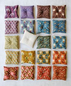 how to: mini pillows (tutorial is for sachets, but would be easily adapatable)