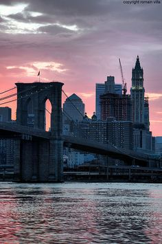 Brooklyn Bridge sunset, NYC, USA.