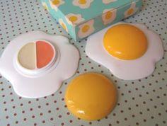 Avon egg gloss