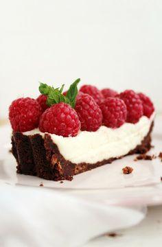 coconut tart with raspberries