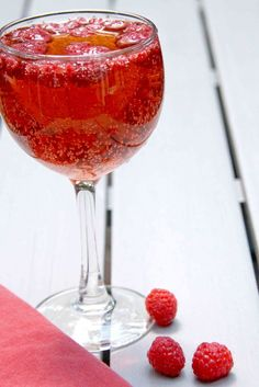 Fancy Birthday Drink – Raspberry Ginger ale
