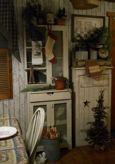 cupboard, christmas kitchen, countri christma, primitive christmas, rustic kitchens, christma kitchen, cabinet, country christmas, primit christma