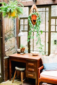 desk plant hangers, office spaces, hanging plants, dream, desks, office plants, nook, hous, hanging planters