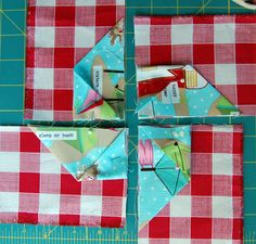 TUTORIAL: 3-D Folded Pinwheel Block (from The Cloth Parcel)