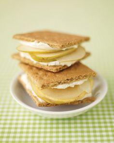 Healthy kids snack ideas {graham cracker sandwiches}
