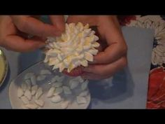 Marshmallow flower cupcake tutorial