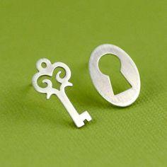 Key and keyhole earrings -- Alice in Wonderland.