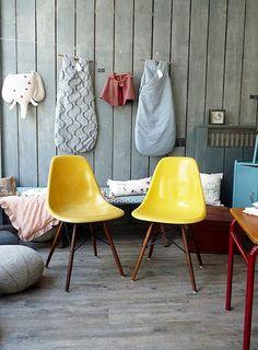 yellow chair #apartmentsnob #sixtycolborne