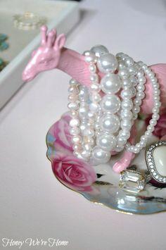DIY animal jewelry holder using dollar store plastic giraffe