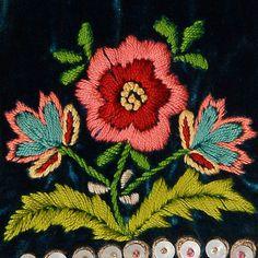 Western Krakowiak Folk embroidery