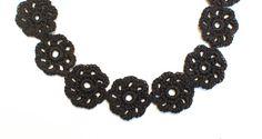 Free crochet flower choker pattern #crochet #jewelry #flower