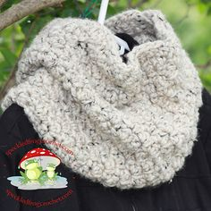 Ravelry: Chunky Textured Neckwarmer Free pattern by Cyprianne Nolan