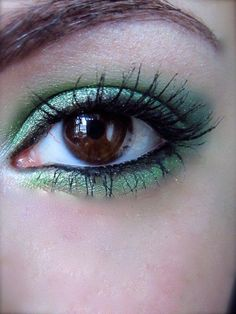 This is a beautiful green look! Products Used: Envy. Seven Seas. Message In A Bottle