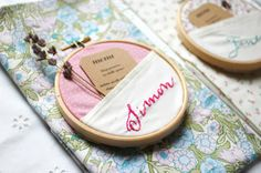 DIY: Embroidery hoop place names