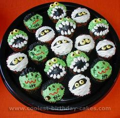 Halloween cupcakes :)