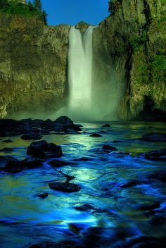 Snoqualmie Falls, Pacific Northwest, Washington, USA.