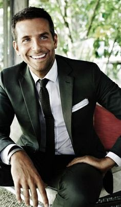 Bradley Cooper, he always looks the best when he's smiling! And dayum, those eyes!