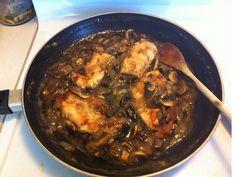 Chicken with mushroom gravy