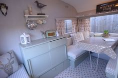 VINTAGE 1960's CARAVAN SHABBY CHIC HOME OFFICE GLAMPING CLASSIC RETRO SMALL