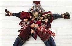 family photo idea for Christmas cards:)