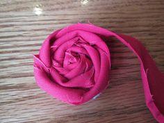 Craft, Bake, Sew, Create: DIY Fabric Flower Rosette Tutorial Interior Decorating, Rosettes Tutorials, Fabric Flowers, Home Decorating, Design Interiors, Diy Fabrics, Flowers Rosettes, Home Design, Fabrics Flowers