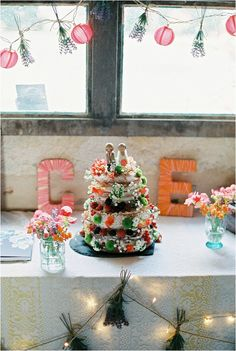 DIY wedding cake  | Image by CKB Photography, see more http://www.frenchweddingstyle.com/wedding-at-chateau-le-plessis/