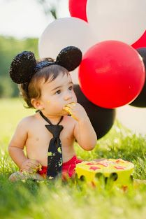 First birthday cake smash! Mickey mouse themed. Salty Sweet Photography - Portraits