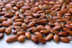 #SummerFoodie Roasted Rosemary Almonds | Nom Nom Paleo