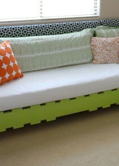 Create your very own DIY pallet bed -- so fun for kids!