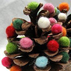The Wool Acorn: DIY Pinecone Trees