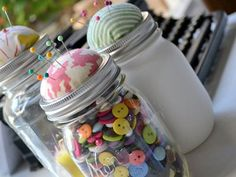 Sew clever! Turn your mason jar into a crafting catchall #masonjars