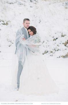 Winter wedding couple | Photo: Jennifer Hejna