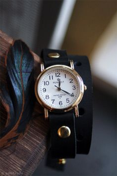 A timepiece with presence.