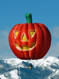[2013 Balloon] Welcome pilot Ray Klein of Scottsdale, Arizona! Here is his balloon, Pumkinhead:  www.balloonfiesta.com