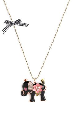 Betsey Johnson cute necklace !