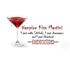 Vampire Kiss Martini Drink Recipe card - lots of drinks for an adult Halloween party! #adulthalloweendrinks #halloween #vampire