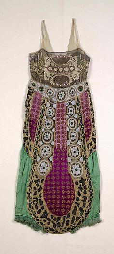 Silk, beaded Evening dress, (probably French), 1920s~Image © The Metropolitan Museum of Art